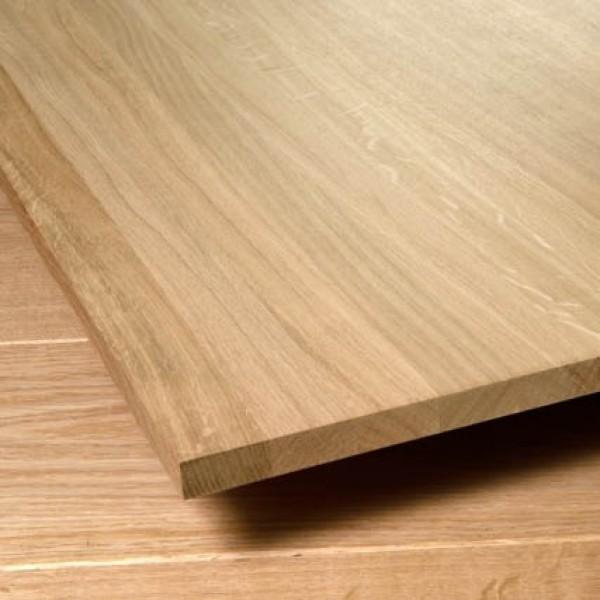 деревянный потолок из ценных пород дерева.