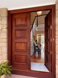 Двупольная филенчатая входная дверь