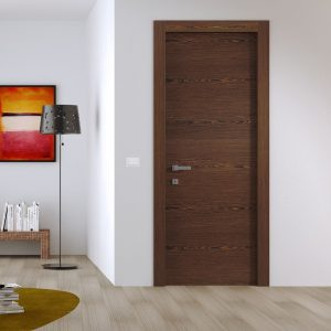 межкомнатная дверь в интерьере шпоннированная