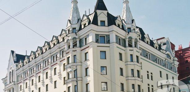 Большие арочные окна для гостиницы «Аврора» на заказ