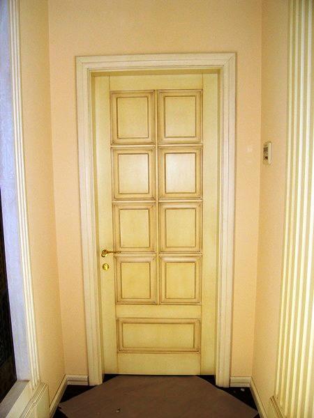 Входная дверь из лиственницы, модель i c нижней вставкой